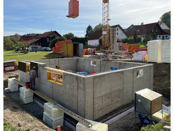 Wohnhaus-Neubau mit Doppelgarage-J